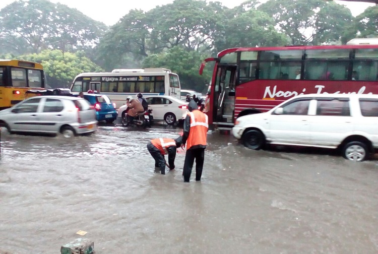 Rain paralyses life in Hyderabad