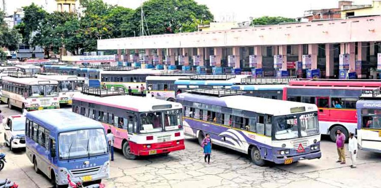 6,487 buses operated on Monday across Telangana