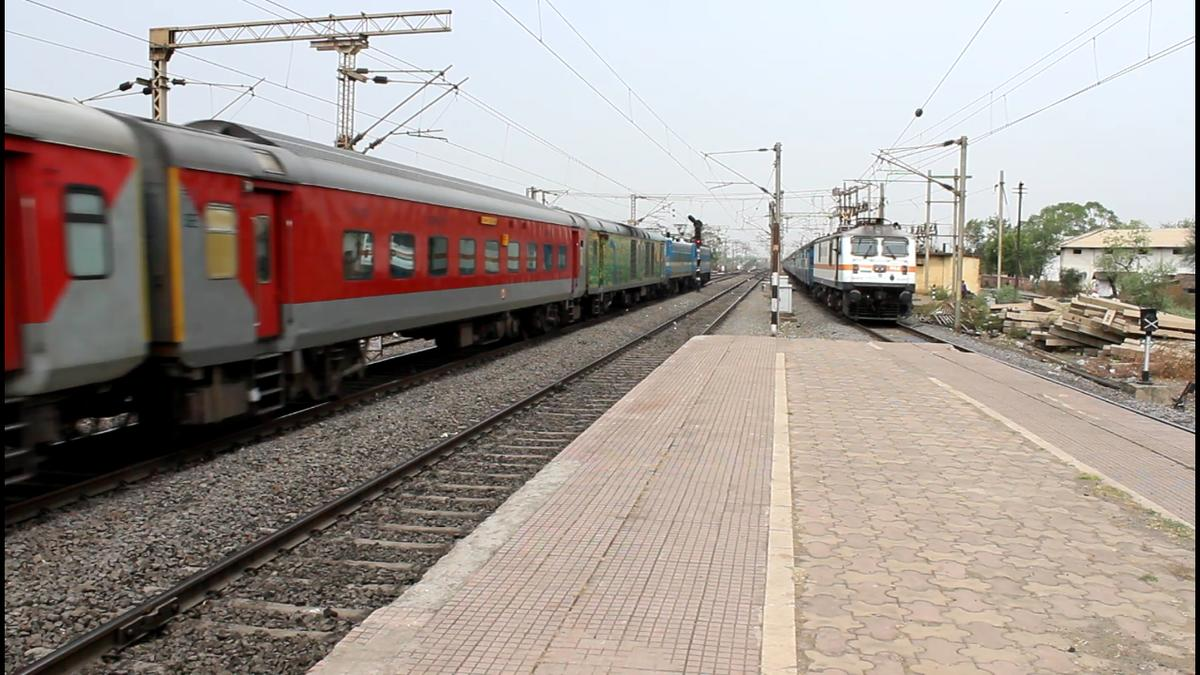 scr-to-run-10-special-trains-to-jaipur