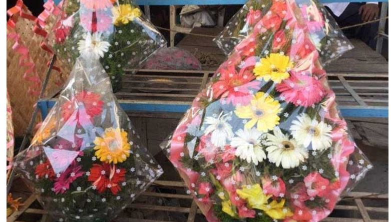 GHMC to ban plastic covers in bouquets