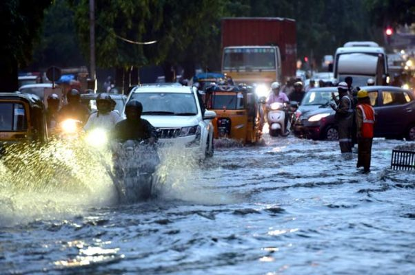 Heavy rain receives in Hyderabad on Tuesday