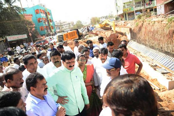 GHMC official inspects RuB work at East Anandbagh