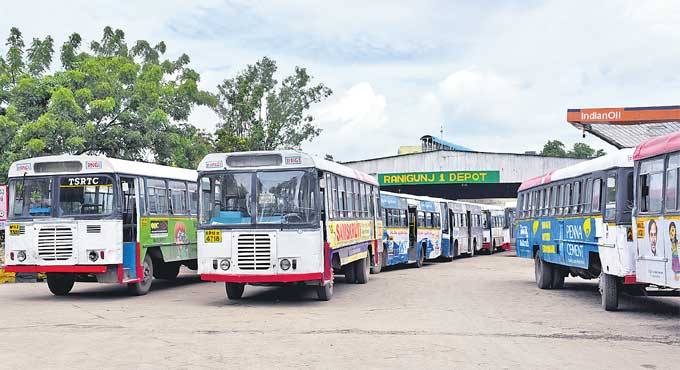 TSRTC to operate its last service in GHMC areas at 9 pm