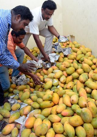 Artificial ripening of fruits: Culprits to get jail, Rs 1 lakh fine for using CaC2