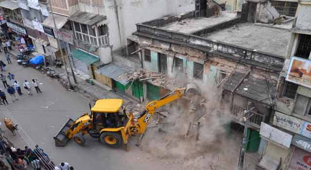 GHMC demolishes 23 old buildings in Hyderabad