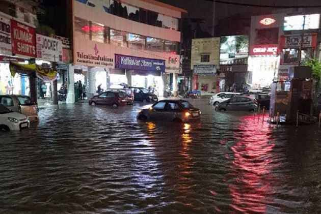Heavy rains lash Hyderabad on Tuesday night