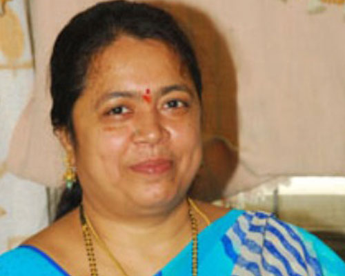 TDP leader Sudha Rani likely to  join TRS party