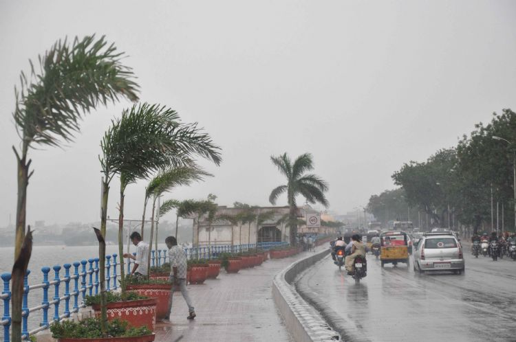 Heavy rain likely to occur in Telangana on Aug 26,27