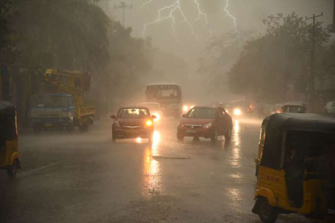 Hyderabad witness heavy rains, gale, lightning
