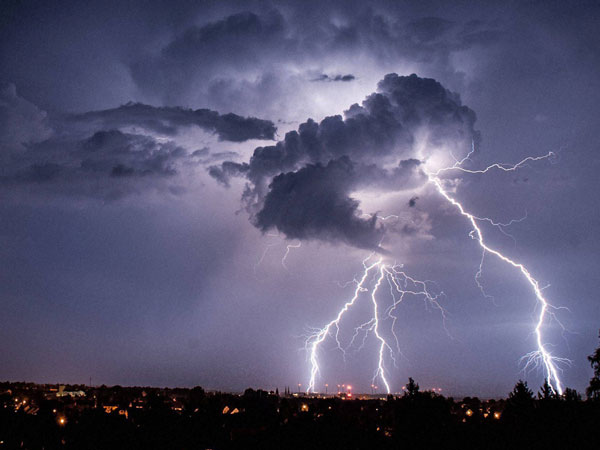 IMD predicts thunderstorm likely in Hyderabad today