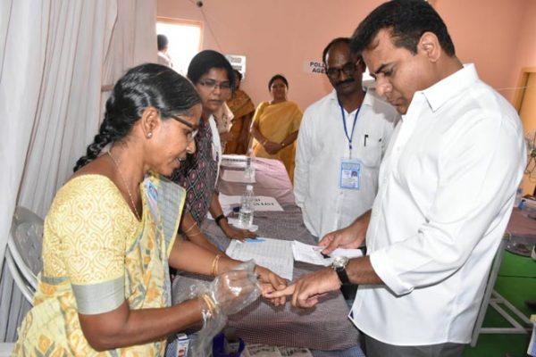 KT Rama Rao cast his vote in Hyderabad