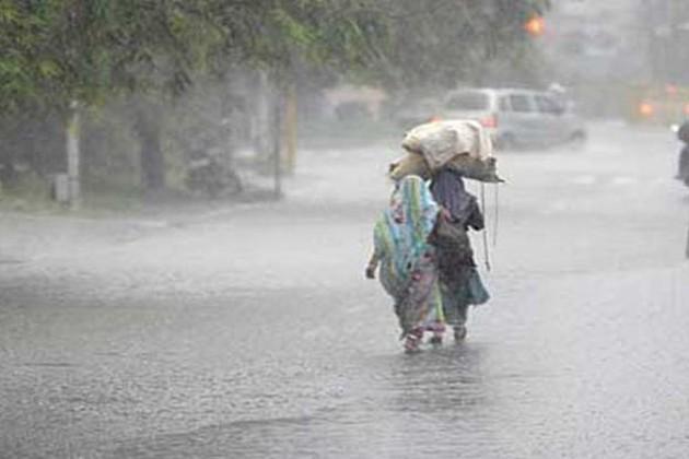 Heavy rain continues to lash several parts of Telangana State