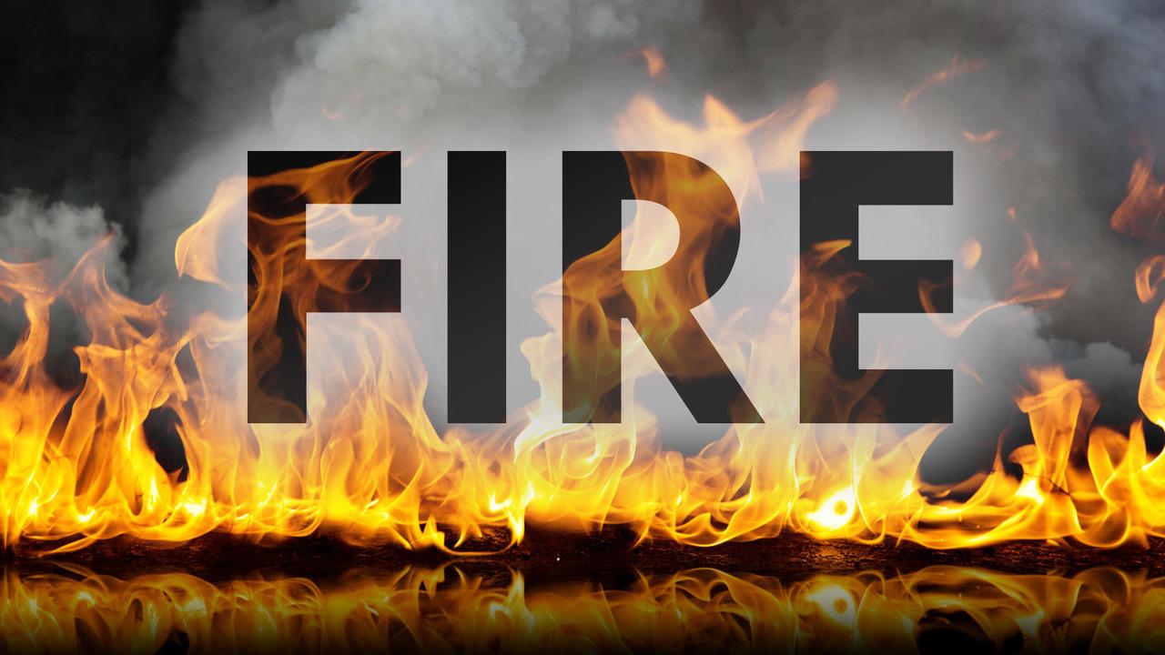 firebrokeoutinacarshowroominhyderabad