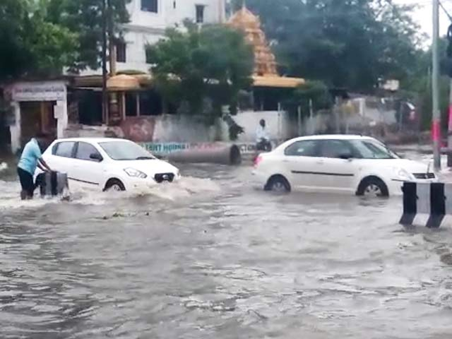 Met Department predicts heavy rains upto 7 cm in next 48 hrs