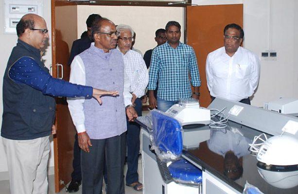 Justice Narasimha Reddy visits UoH campus