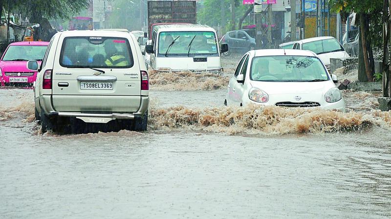 heavy-rains-lash-hyderabad-lb-nagar-receives-4-cm-rain-