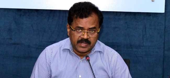 GHMC asks officials to complete nala desiltation works