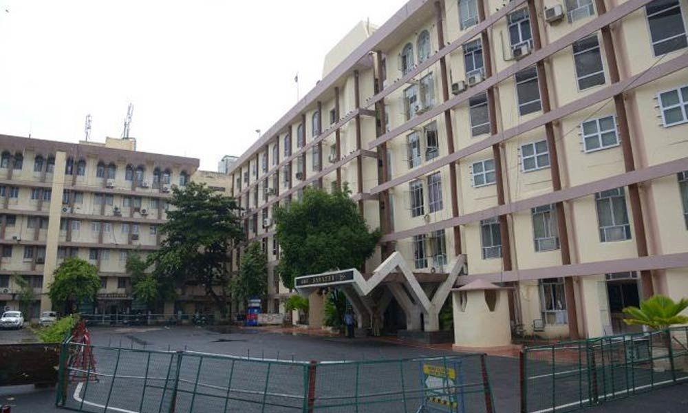 Demolition of old Secretariat buildings begins