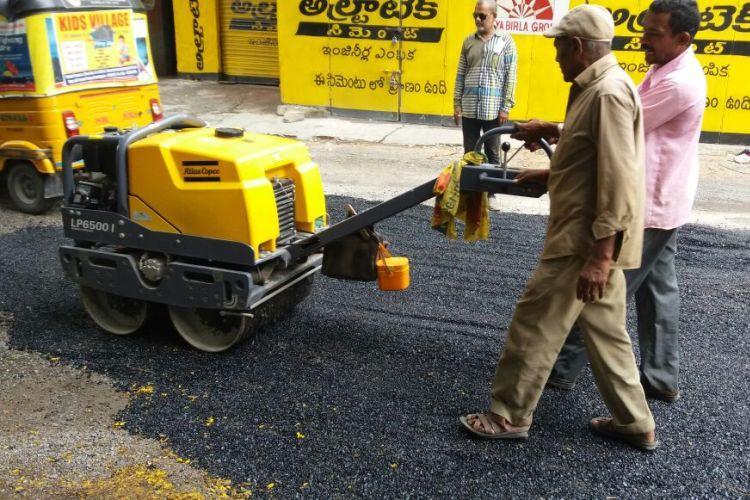 GHMC teams fill 10,459 potholes in various parts of Hyderabad city