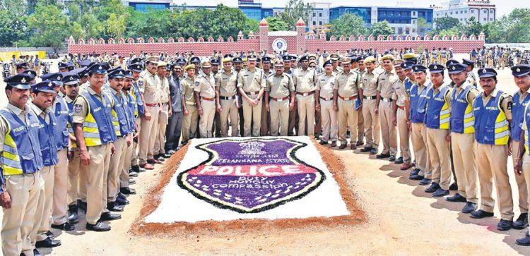 Blue colts policemen rewarded in Hyderabad