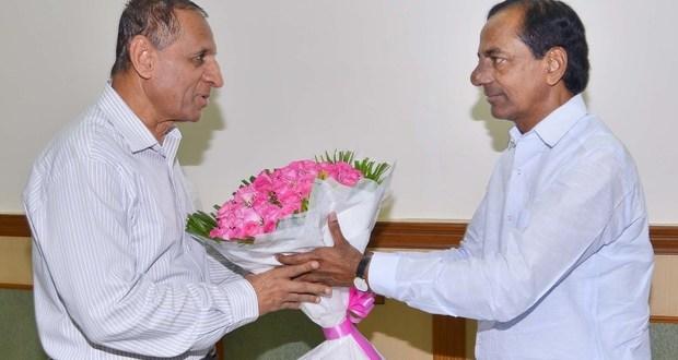 CM KCR calls on Governor ESL Narasimhan at Raj Bhavan