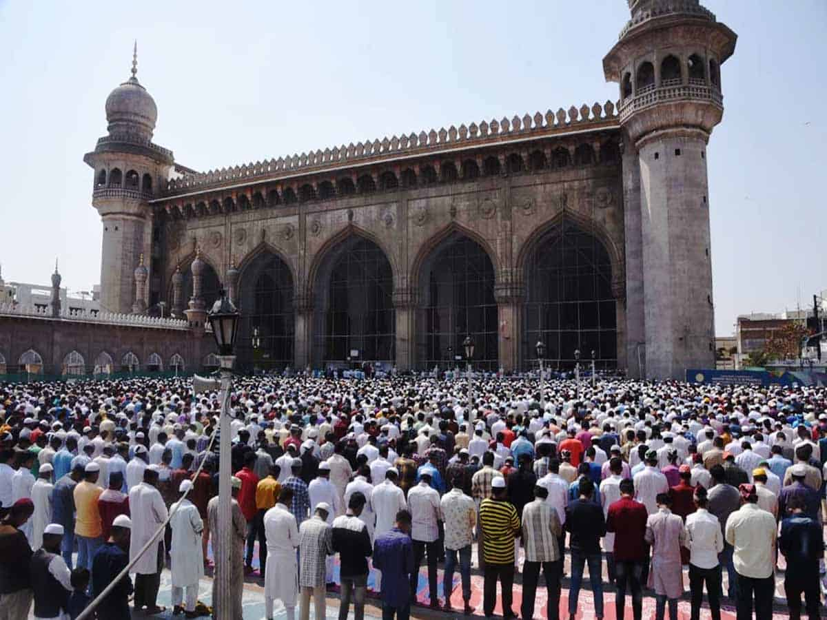 Jumat-ul-Vida observed with religious reverence and zeal in Hyderabad