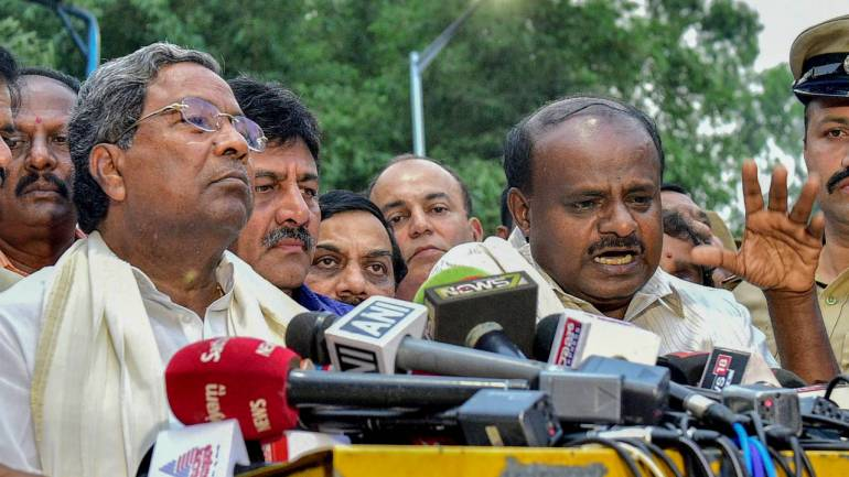 JD(S)-Congress legislators arrived in Hyderabad from Karnataka.