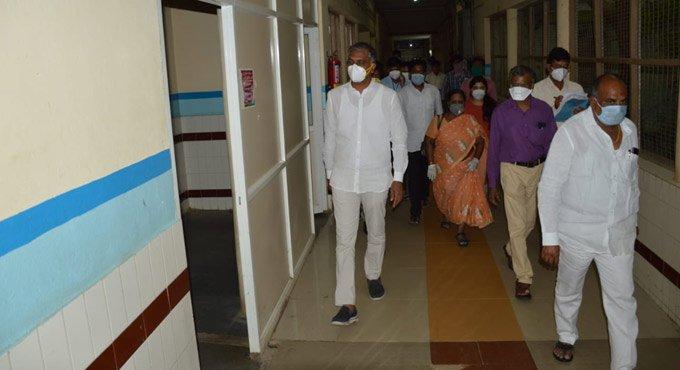 Covid hospitals to be set up in all Telangana districts: Harish Rao