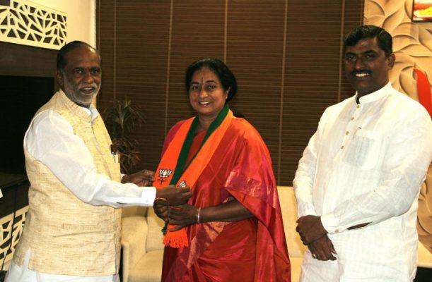 Padmini Narsimha Reddy joins BJP, then quits