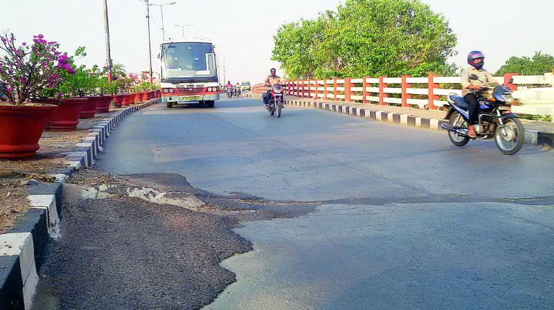 GHMC takes up repair work on Lalapet flyover