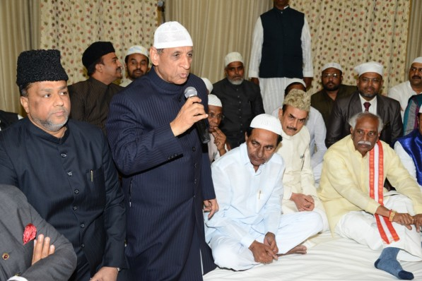 Governor ESL Narsimhan hosts Iftar Party