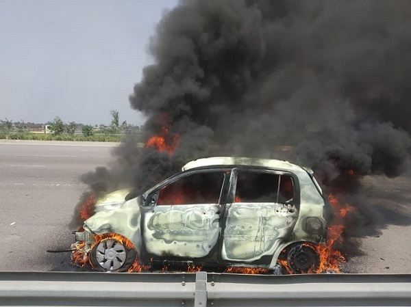 Man charred to death after car catches fire in Hyderabad Telangana.