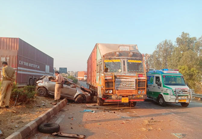 Three friends killed in road accident in Shadnagar