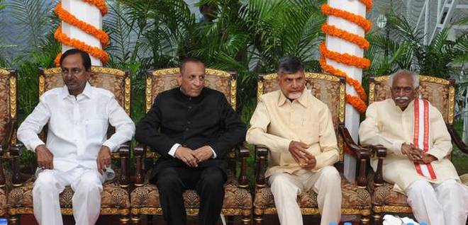 at-home-function-hosts-by-governor-esl-narsimhan