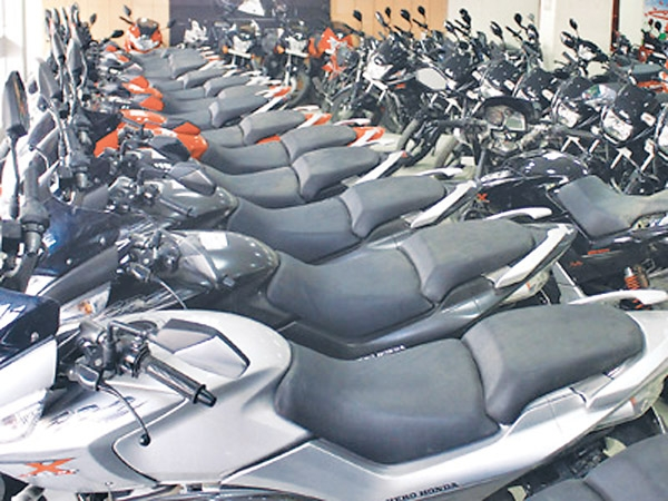 Vehicle registration at showrooms from April 21
