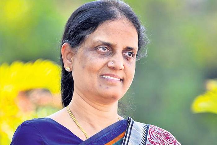 Sabitha Indra Reddy to dump Rahul Gandhi, joins TRS