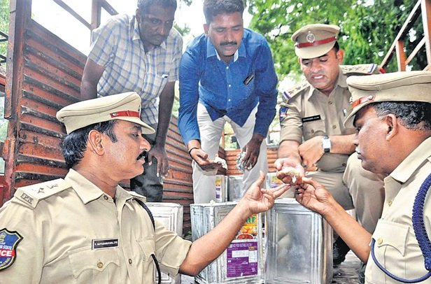 Police raid Sarvo Nataraj edible oil company at Puranapul