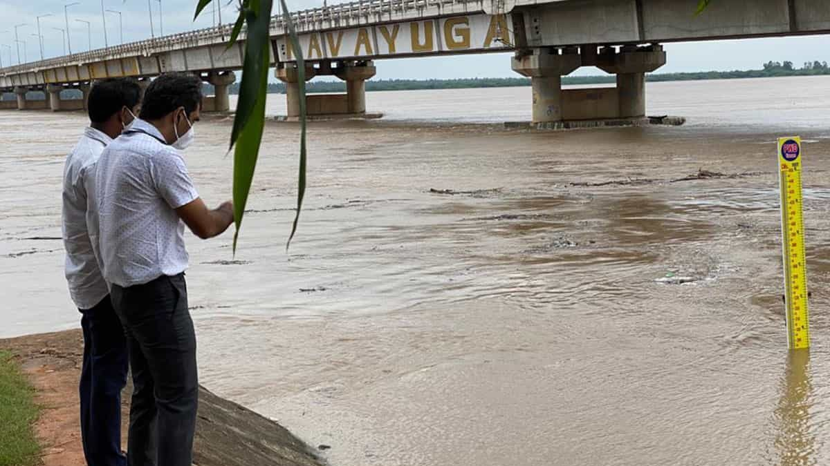 Heavy rains continue to lash Telangana for fourth consecutive day