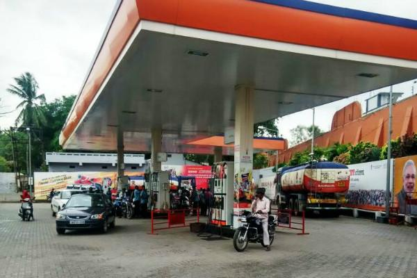 fuelpricesseesteadyriseinhyderabad