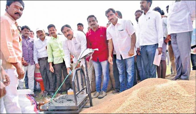 E Dayakar Rao inaugurates the paddy procurement centre