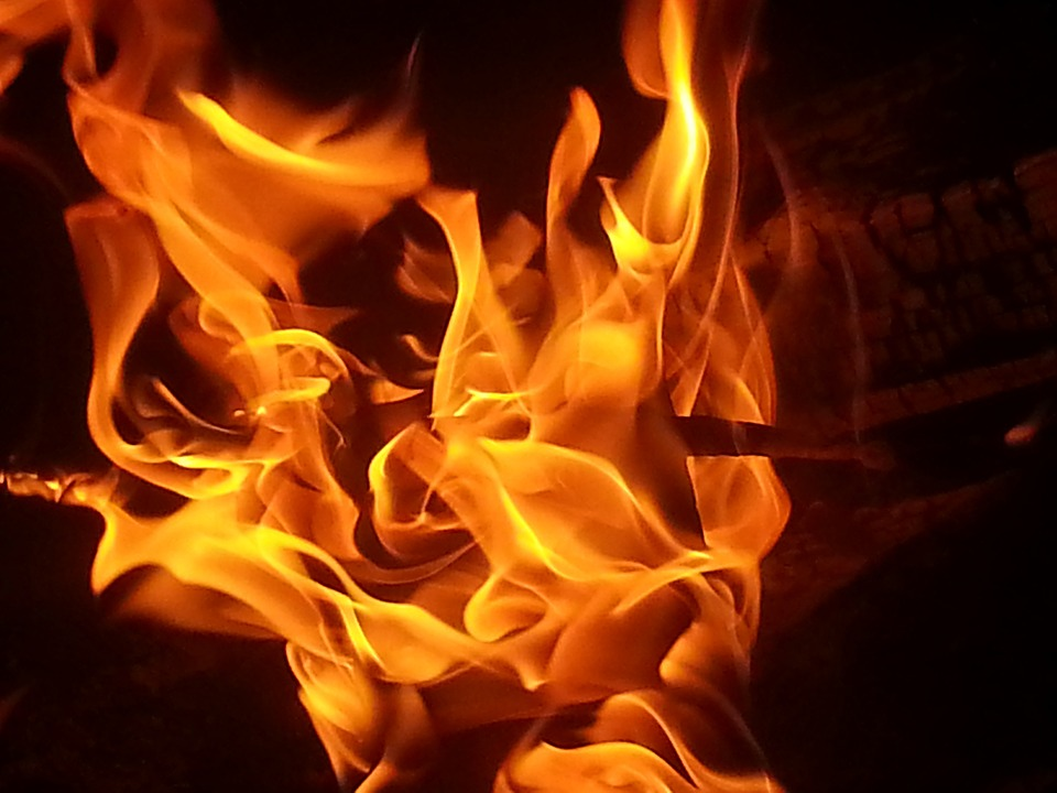 Unemployed man sets wife on fire for failing to crack MBBS entrance