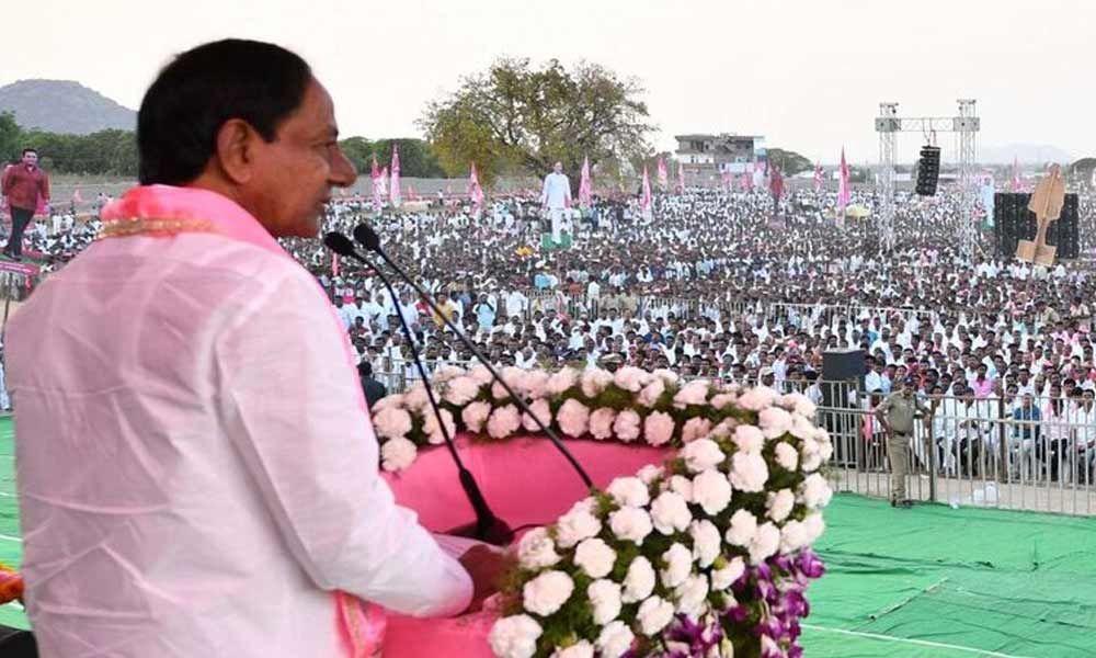 KCR alleges that PM Modi telling lies against us