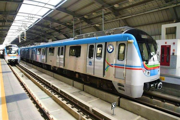 Banner lands on power line, halts Metro for half-an-hour