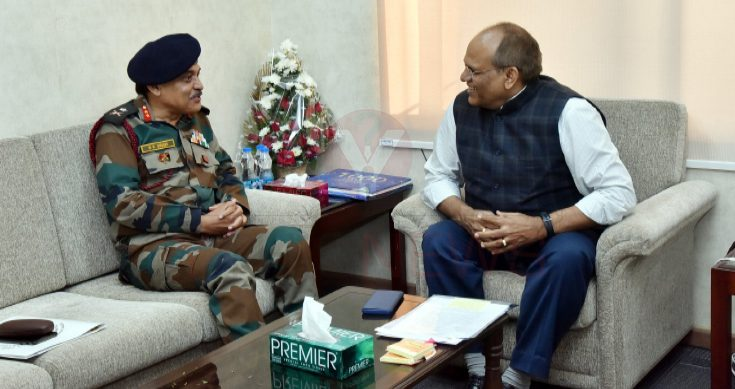 Major General RK Singh calls on Telangana CS Somesh Kumar