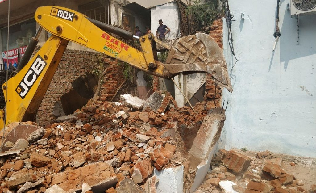 GHMC razes unauthorised structures in Hyderabad