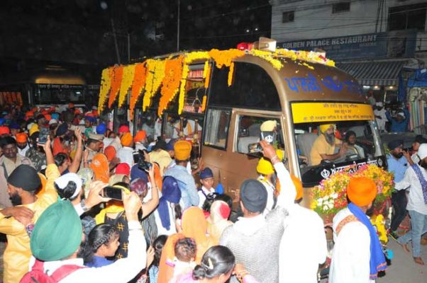 Nagar Kirtan yatra gets rousing reception in Hyderabad