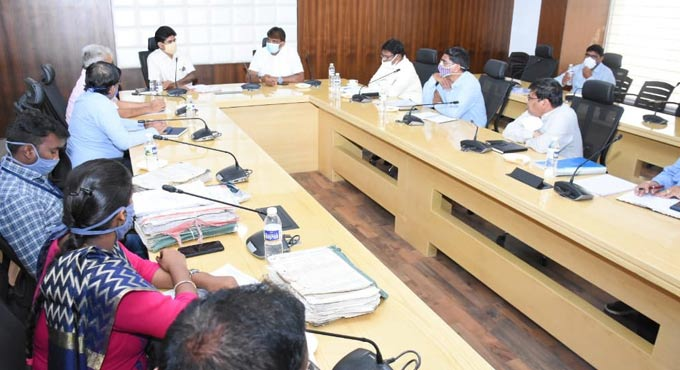 GHMC Mayor convenes meeting with SCR over land acquisition