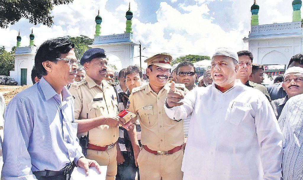 Waqf chairman visits Mir Alam Eidgah to review arrangements