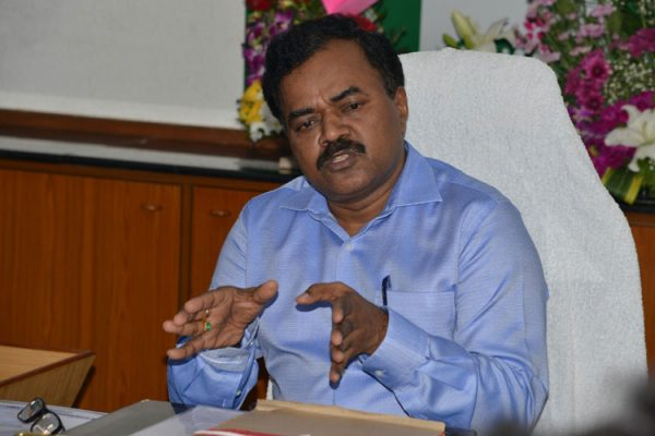 Dana Kishore visits Amberpet area to review the road development work