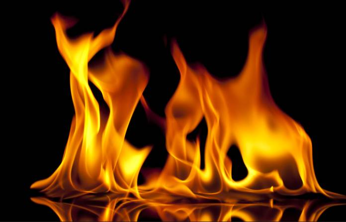 Fire breaks out at tiffin centre in Yousufguda